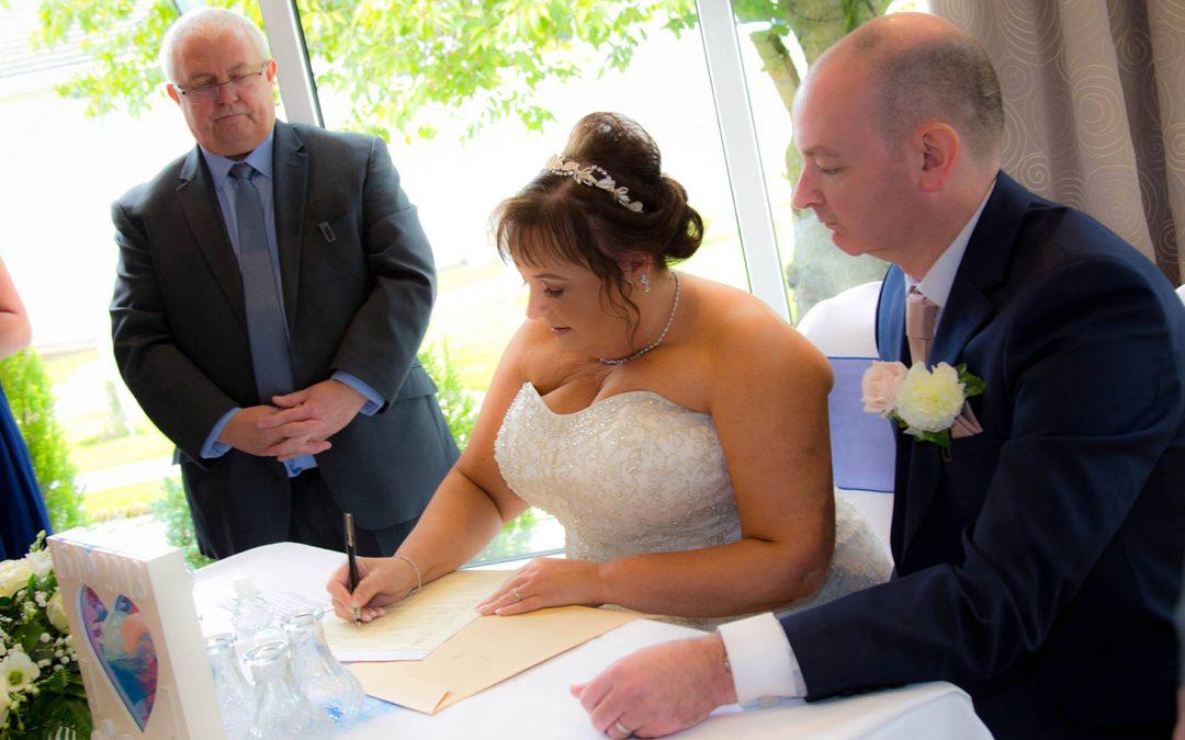 Wedding Ceremony in Clyde Valley